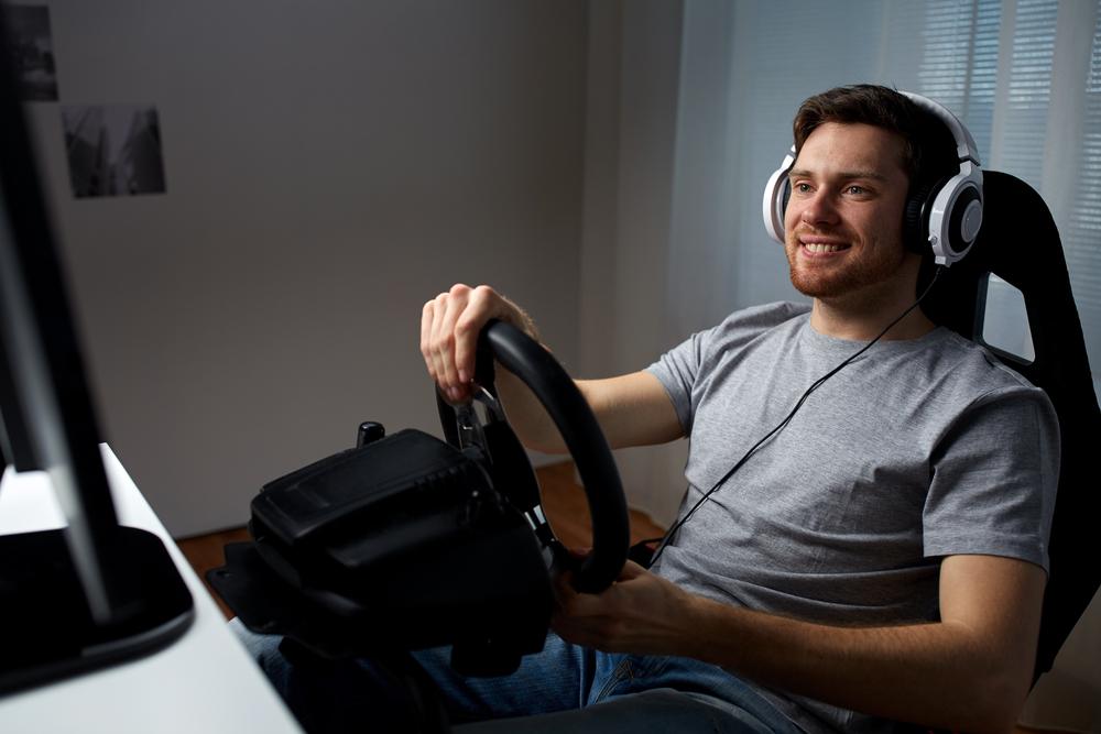 Gaming : Quel est l'intérêt d'un volant pour les jeux de courses ?